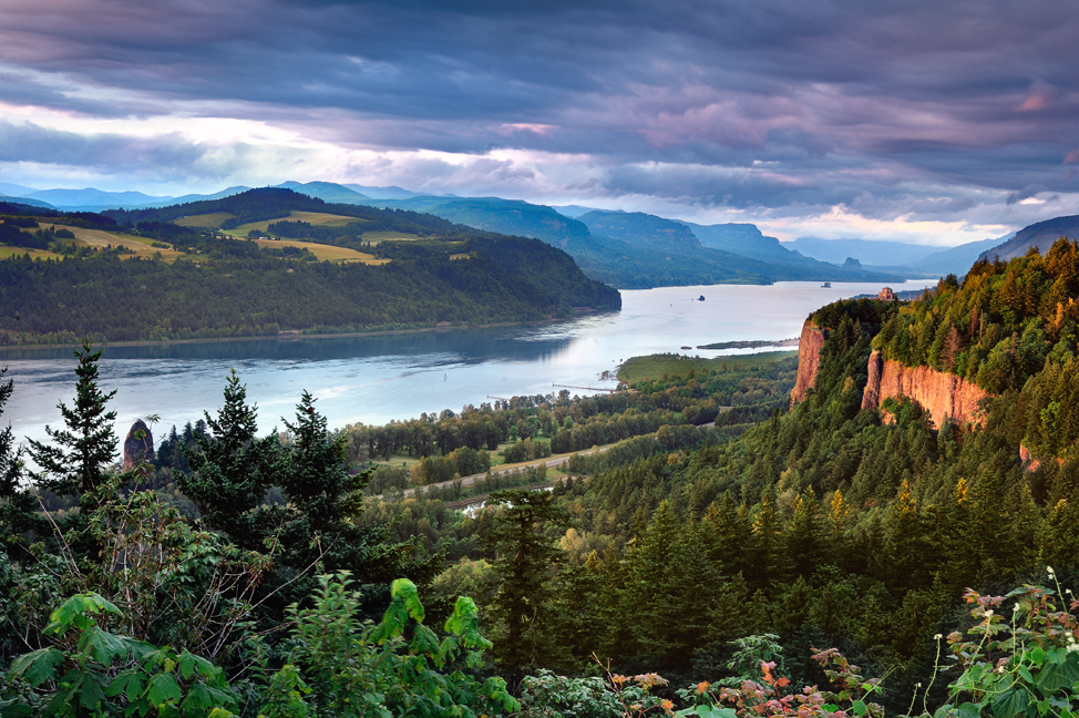 Columbia_River_Gorge.jpg