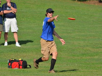 Jared Neal putting at the 2012 USDGC